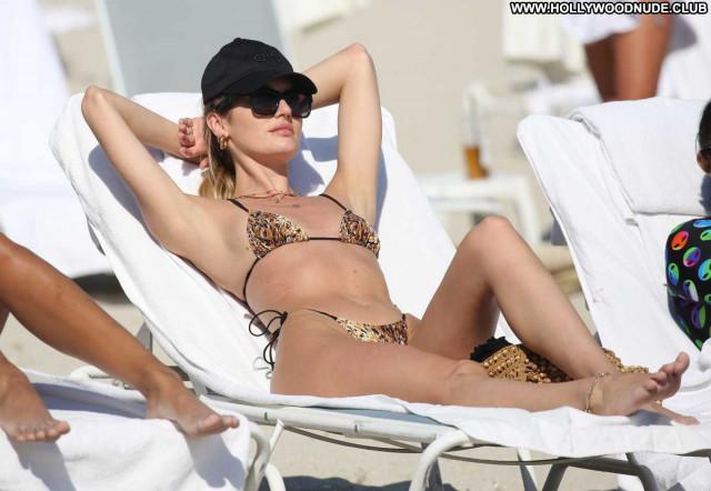 Candice Swanepoel The Beach Babe Beautiful Paparazzi Posing Hot