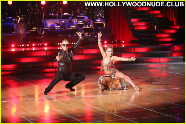 Shawn Johnson Dancing With The Stars Babe Posing Hot Paparazzi