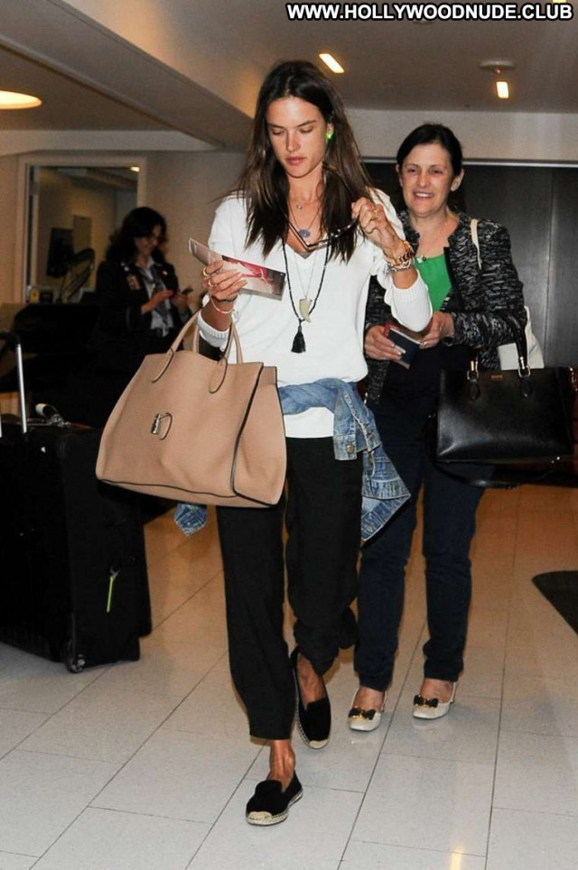 Alessandra Ambrosio No Source Paparazzi Babe Celebrity Beautiful