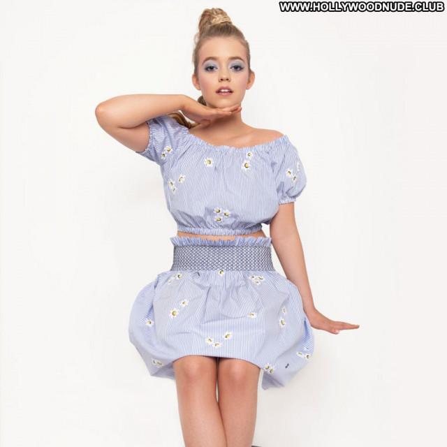Jade Pettyjohn No Source Posing Hot Sexy Beautiful Celebrity Babe