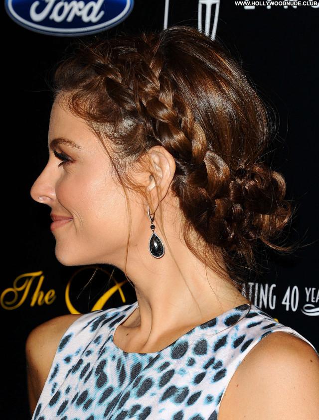 Maria Menounos Beverly Hills Awards Posing Hot Paparazzi Beautiful