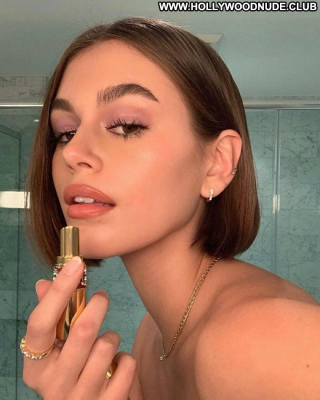 Kaia Gerber No Source Posing Hot Babe Paparazzi Beautiful Celebrity