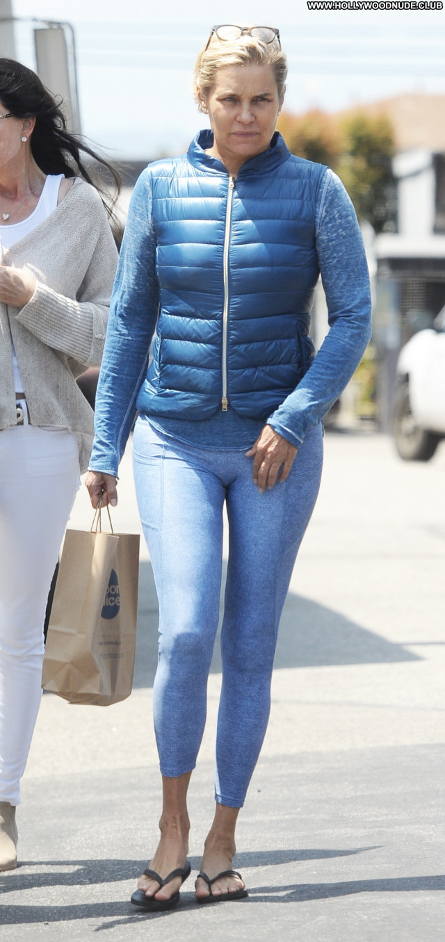 Yolanda Foster No Source Beach Posing Hot Celebrity Paparazzi Babe