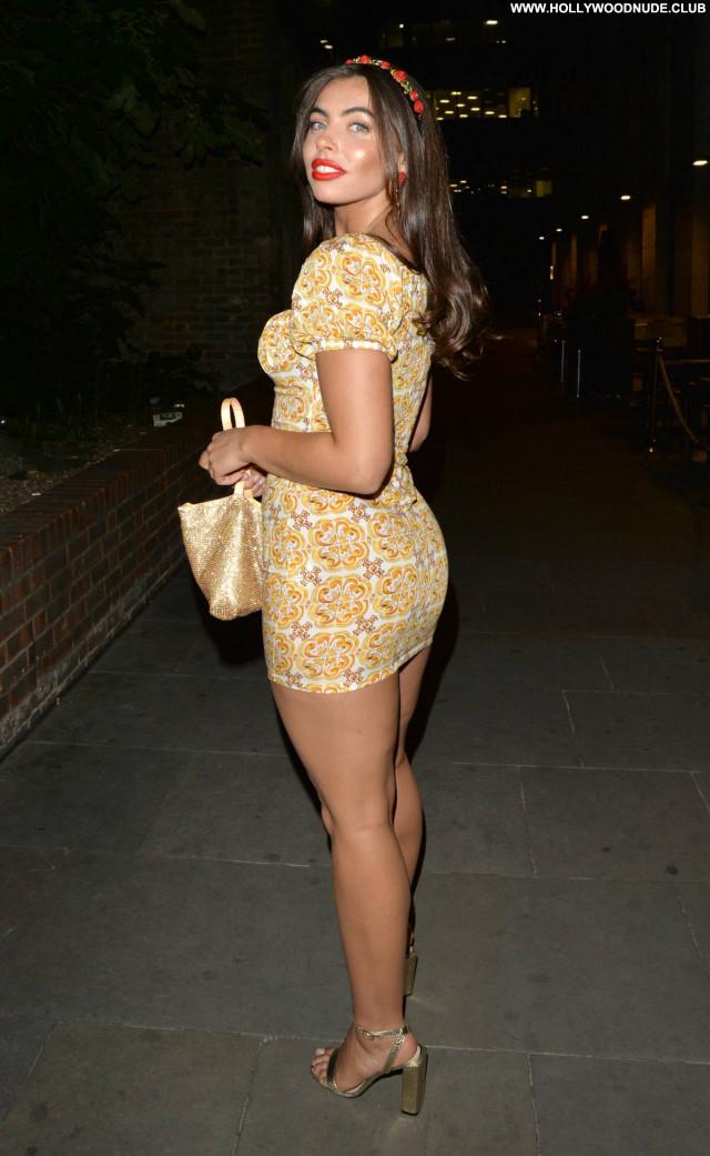 Francesca Allen No Source  Paparazzi Babe Beautiful Celebrity Posing