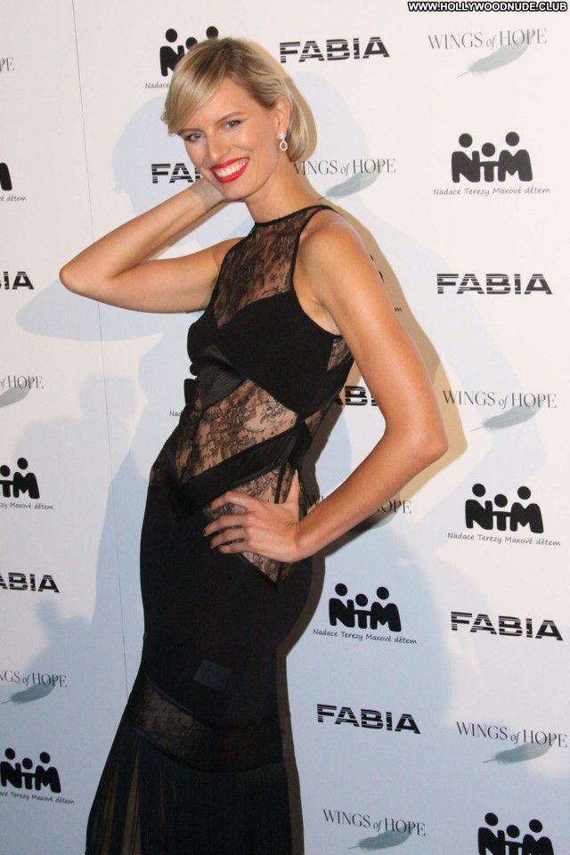 Karolina Kurkova No Source Beautiful Babe Celebrity Posing Hot