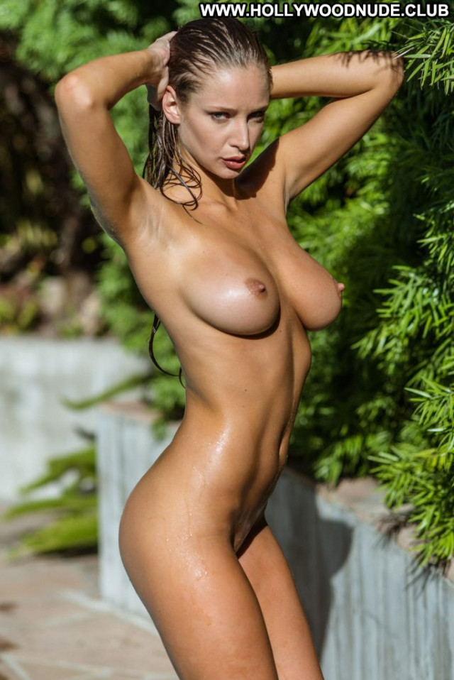 Emily Agnes No Source  Natural Topless Model Toples Posing Hot