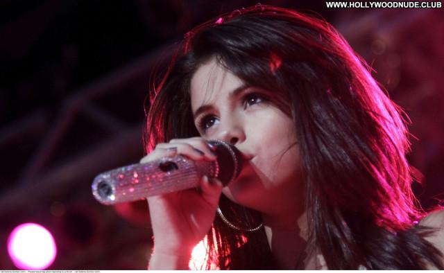 Selena Gomez No Source Beautiful Babe Paparazzi Celebrity Posing Hot