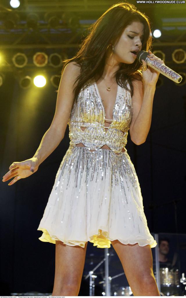 Selena Gomez No Source Beautiful Paparazzi Babe Celebrity Posing Hot