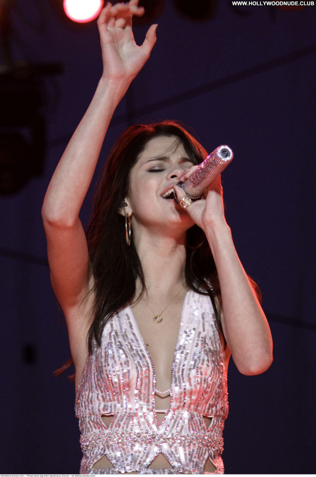Selena Gomez No Source Babe Beautiful Paparazzi Posing Hot Celebrity