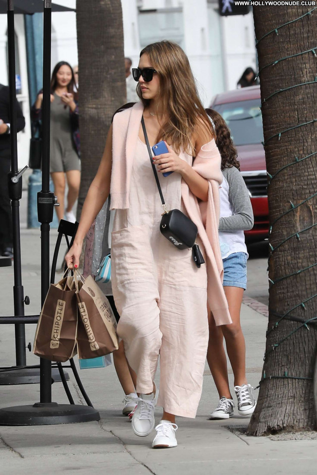 Jessica Alba Beverly Hills  Paparazzi Posing Hot Celebrity Shopping