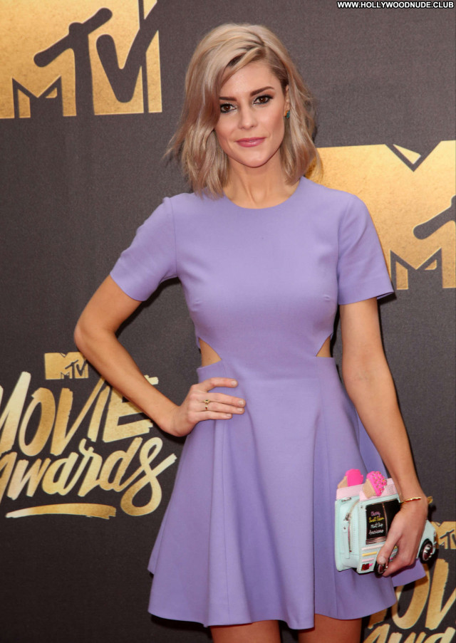 Grace Helbig Mtv Movie Awards Posing Hot Awards Celebrity Beautiful