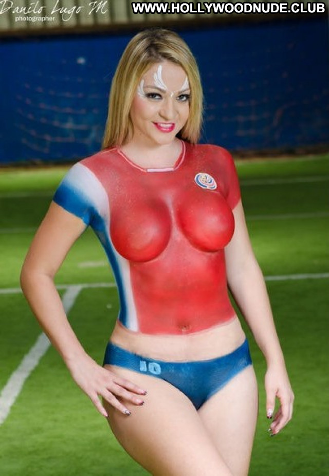 Hot Girl No Source Candids Gorgeous Busty Latina Legs Pain Body Paint