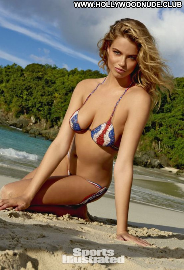 Hot Girl No Source Cape Verde Babe Legs Hot Celebrity Sexy Latina