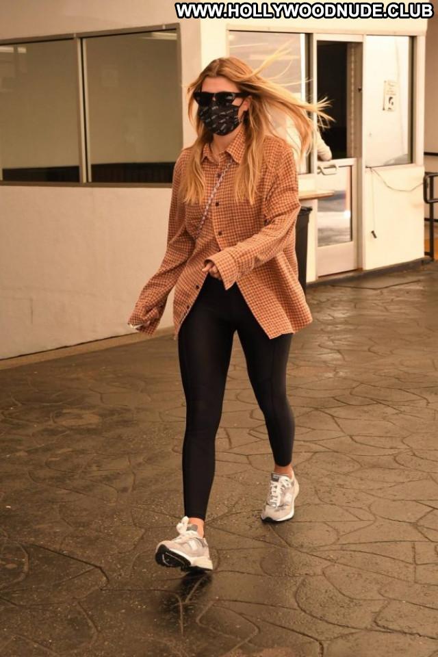 Anna Baryshnikov No Source Posing Hot Beautiful Celebrity Babe
