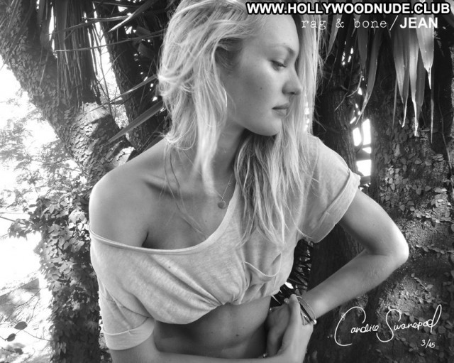 Dua Lipa The Image  Summer Nude Posing Hot Beautiful Babe Celebrity