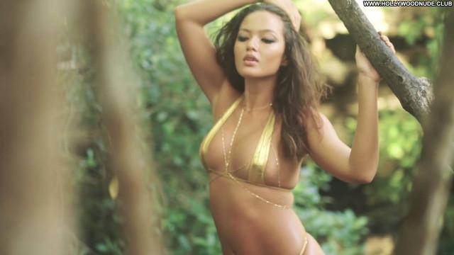 Mia Kang Sports Illustrated Swimsuit Beautiful Celebrity Babe Sports